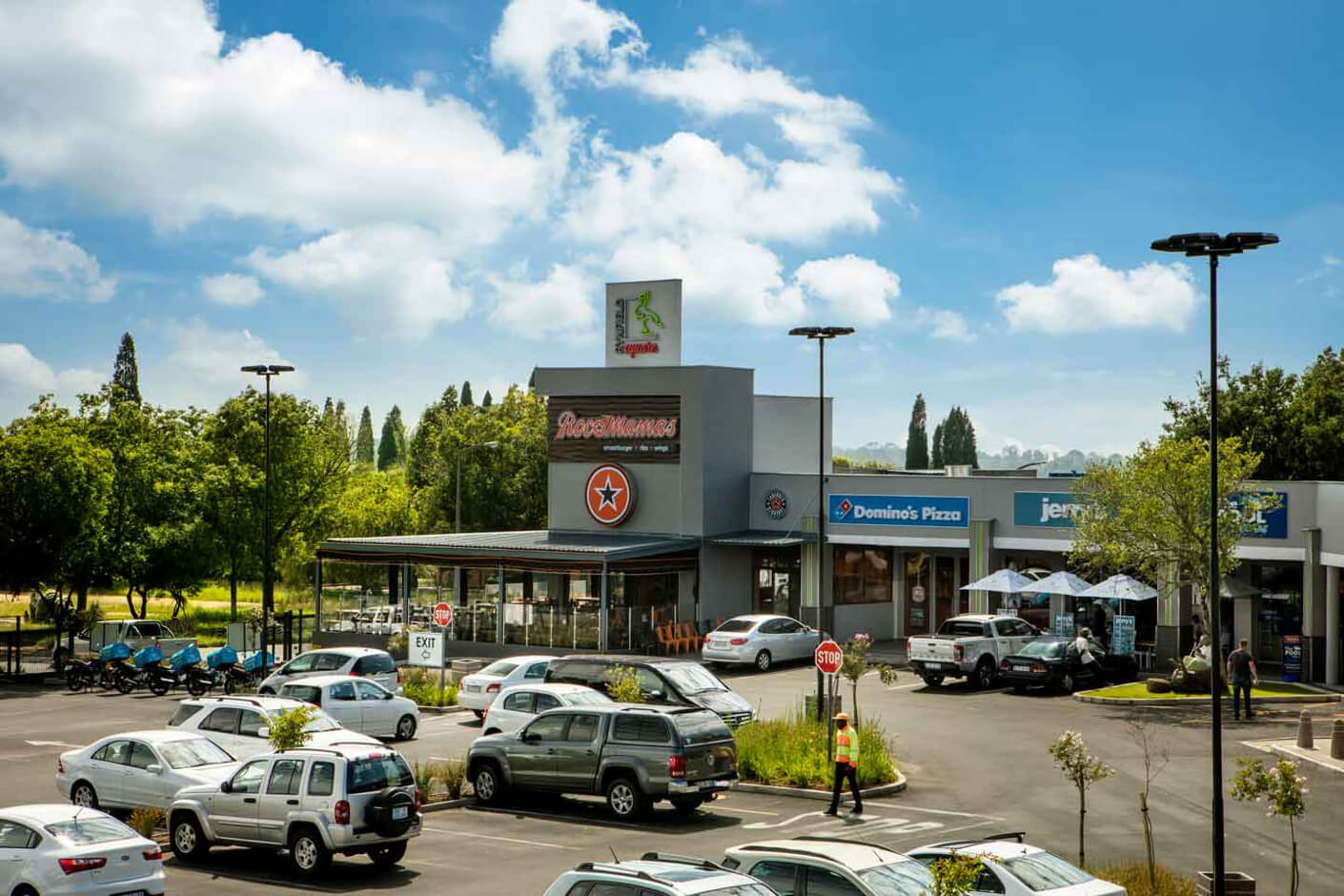 Parkling lot and restaurants at Rynfield Square in Benoni